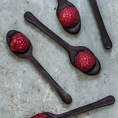 RASPBERRY CHOCOLATE SPOONS